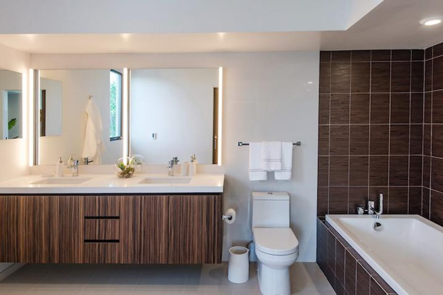 Pacific Star Bathroom and Sidler MIrror