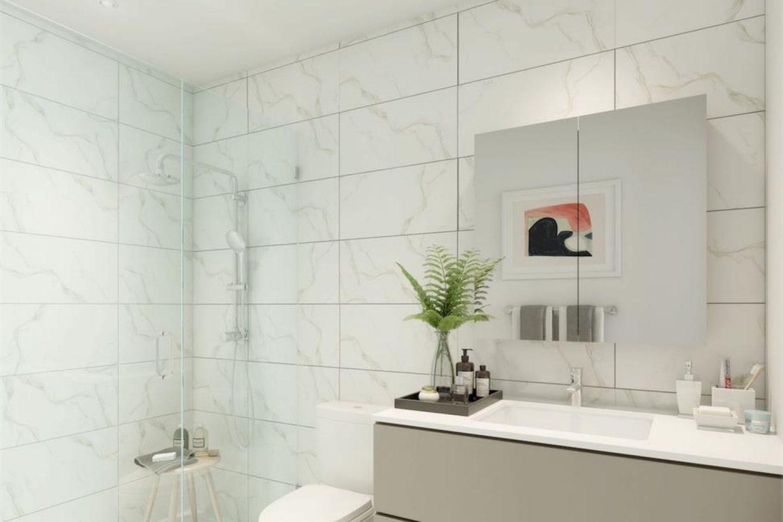 Fraser Commons Bathroom
